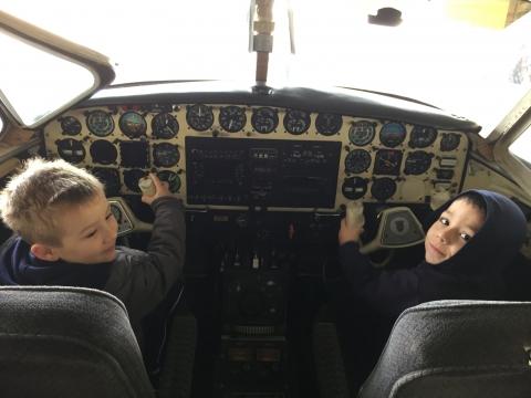 2017: Niveles maternal, 2 y 3 turno matutino y vespertino disfrutaron en la Aviación de Melilla .